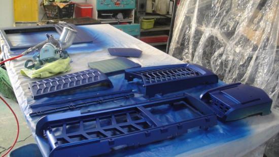 Покраска корпусных панелей в синий металлик