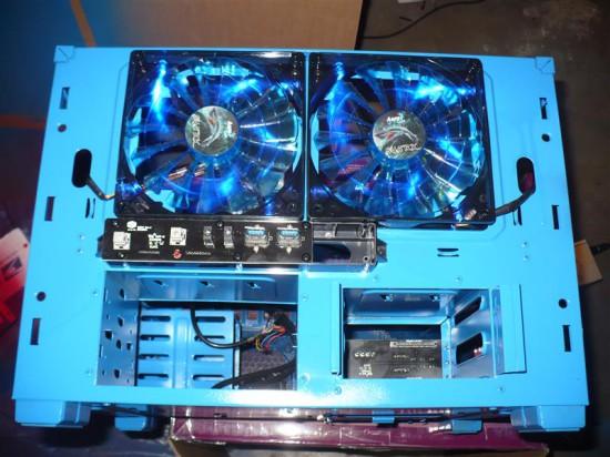 Шасси корпуса уже перекрашено в синий цвет