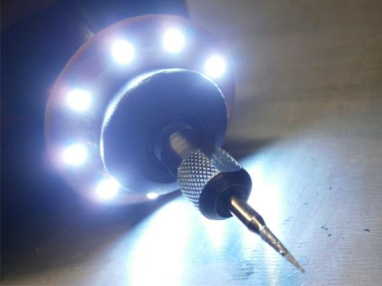 Общий вид на дремель с установленным модулем подсветки