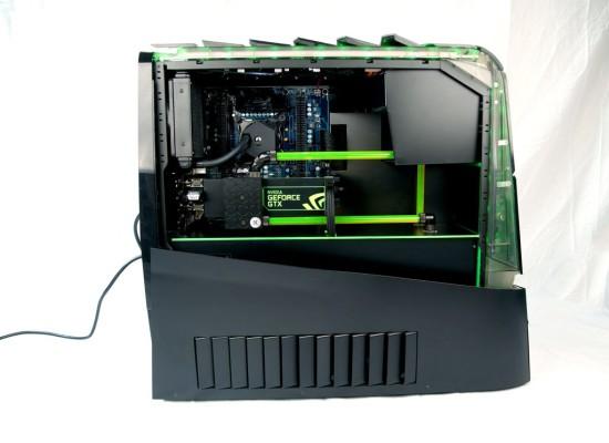Вид сбоку на моддинг проект Alienware Aurora ALX-XL