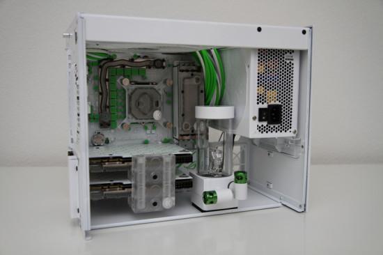 Моддинг проект White SG09 от моддера Fruergaard на данном этапе