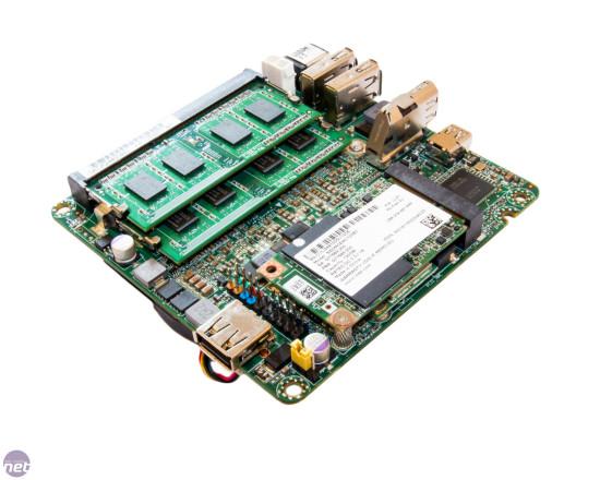 тот самый  Intel NUC крупны планом