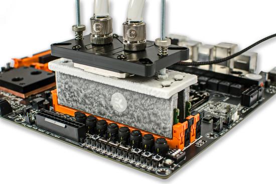 Переходник EK-SF3D Triple Point EVO используется совместно с системой водяного охлаждения с элементом Пельтье