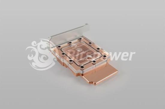 Общий вид ватерблока Bitspower AIZ87M6IITX в версии с медным основанием и прозрачной акриловой крышкой
