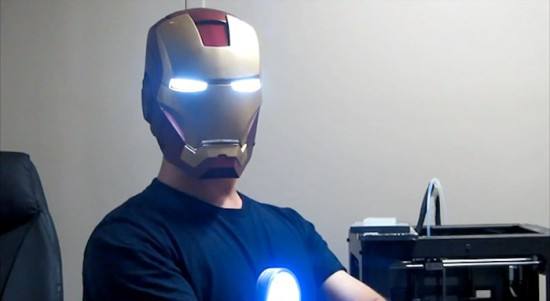 Шлем «Железного Человека», одетый на голову