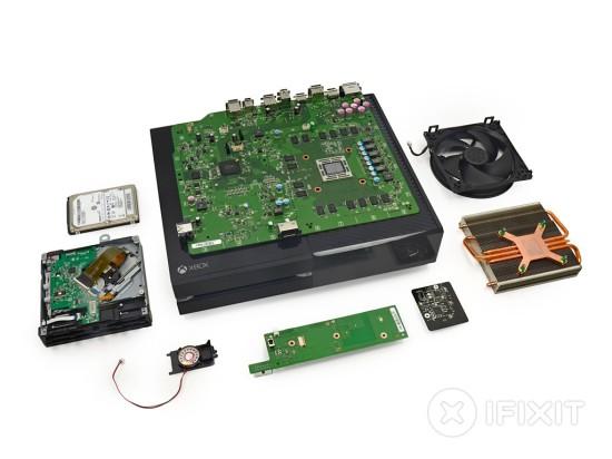 Разобранная игровая консоль Xbox One