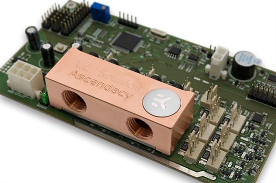 Вид на контроллер EK-Ascendacy со стороны ватерблока