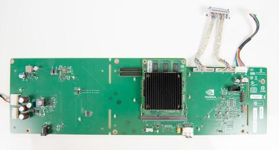 Модуль G-SYNC, вставленный в специальный порт на печатной плате обновленного монитора Asus VG248QE