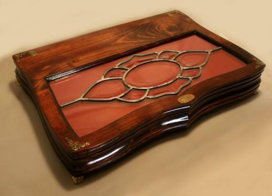 Вид на верхнюю часть ноутбука Stained glass laptop