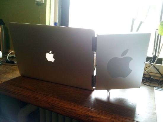 Вид сзади на ноутбук с дополнительным экраном