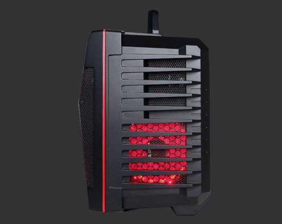 Вид спереди на Общий вид Fang Battlebox от CyberPower