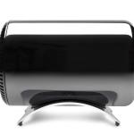Вид сбоку на Mac Pro, установленный на подставке